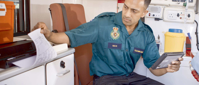 Paramedic folosind PJ-700