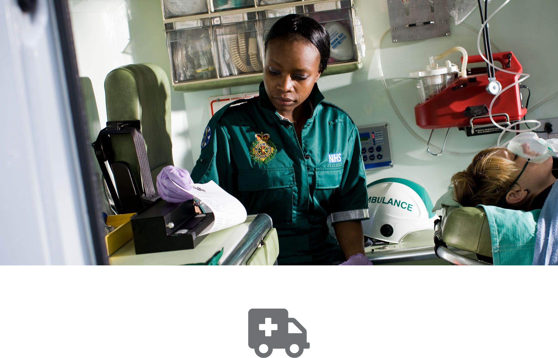 Datele pacientului imprimate pe imprimantă portabilă Brother PJ în ambulanță