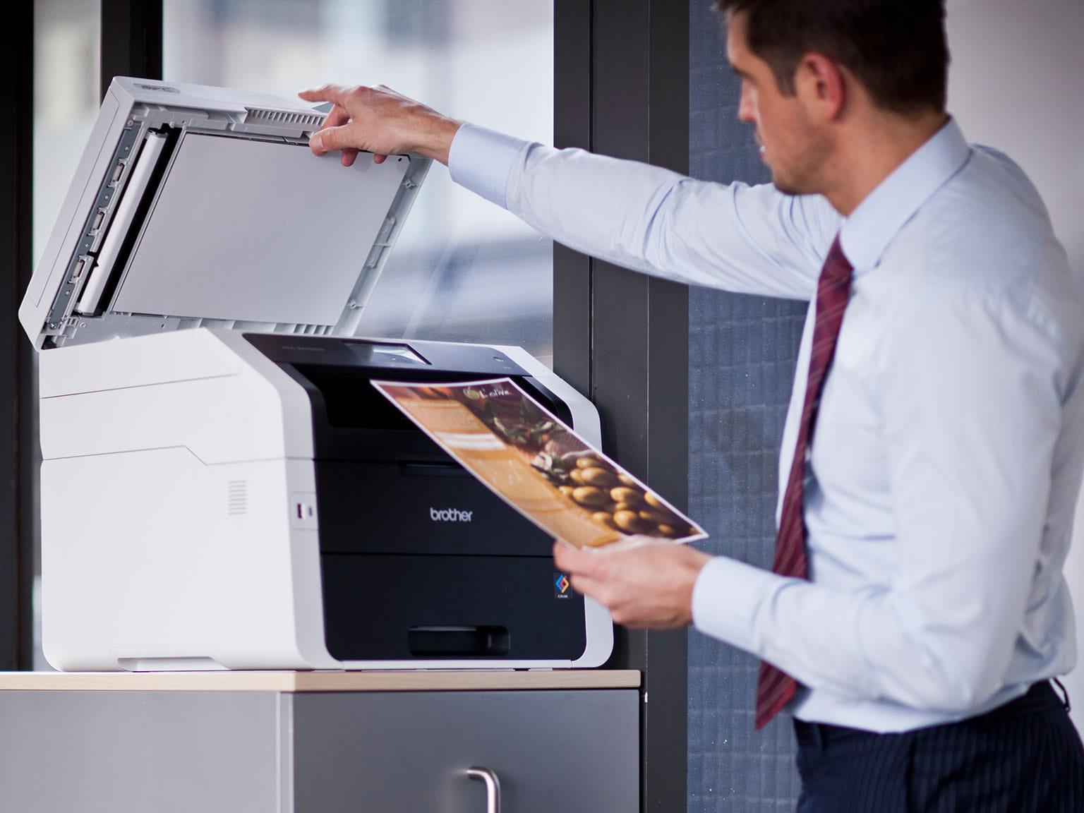 Scanare document la birou