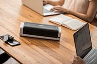 ADS-1200 pe birou cu angajați la lucru