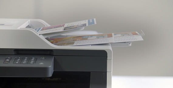 Tiskalnik skenira dokumente