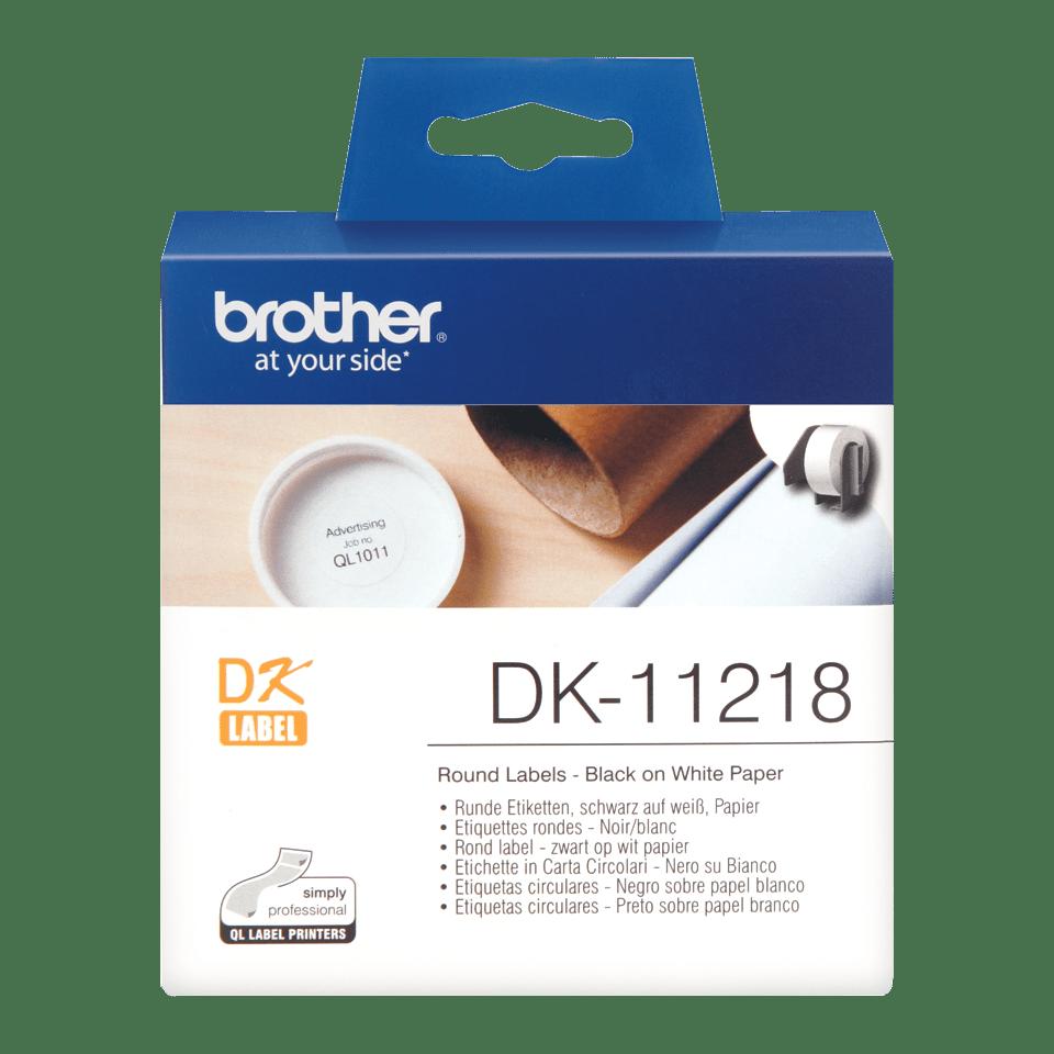 Rolă de etichete rotunde originală Brother DK-11218 – negru pe alb, diametru de 24mm