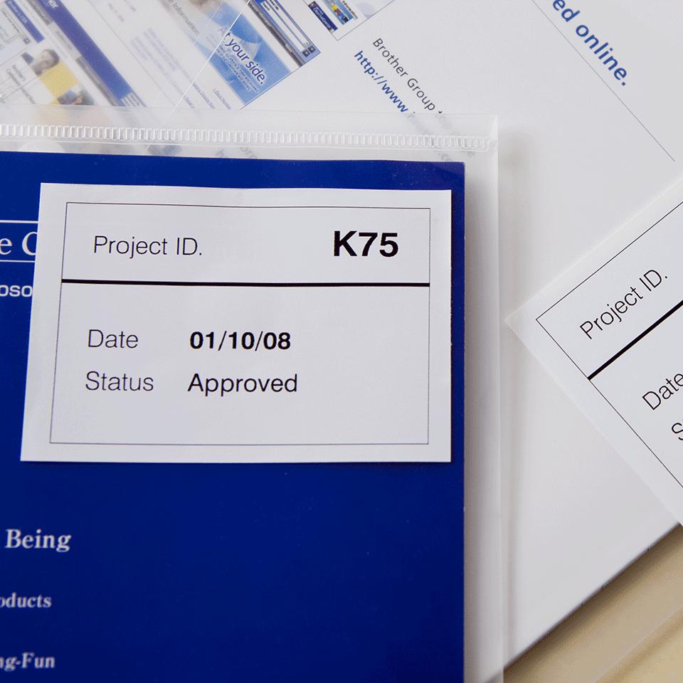 Rolă continuă de etichete detașabile originală Brother DK-44205 – negru pe alb, lățime de 62mm 2