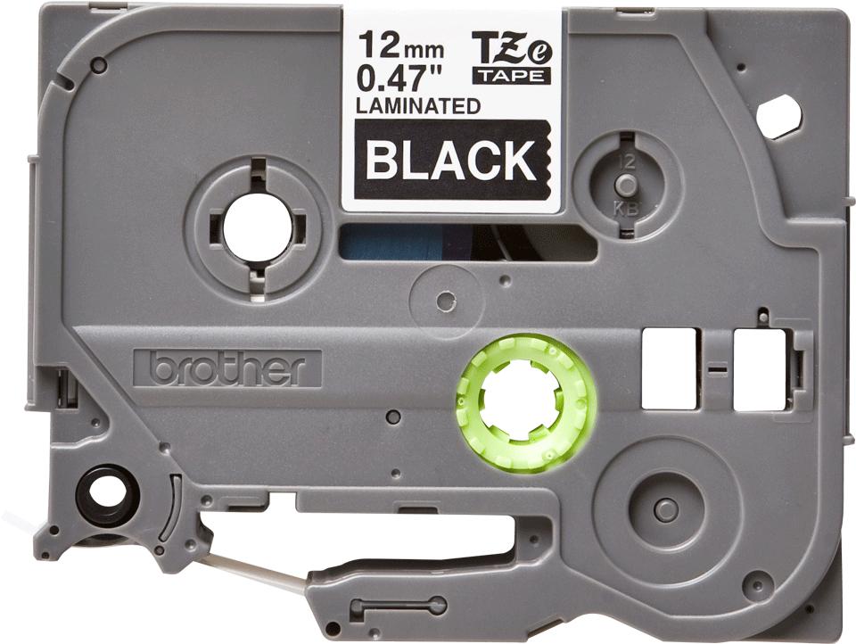 Casetă cu bandă de etichete originală Brother TZe335 – alb pe negru de 12 mm lățime