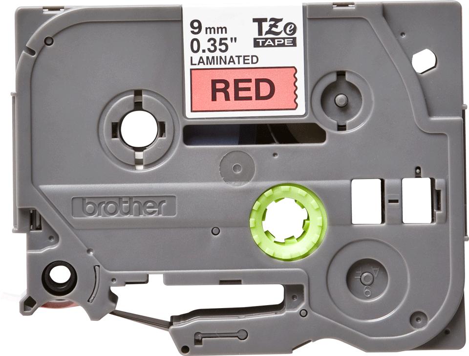 Casetă cu bandă de etichete originală Brother TZe-421 – negru pe roșu, 9mm lățime