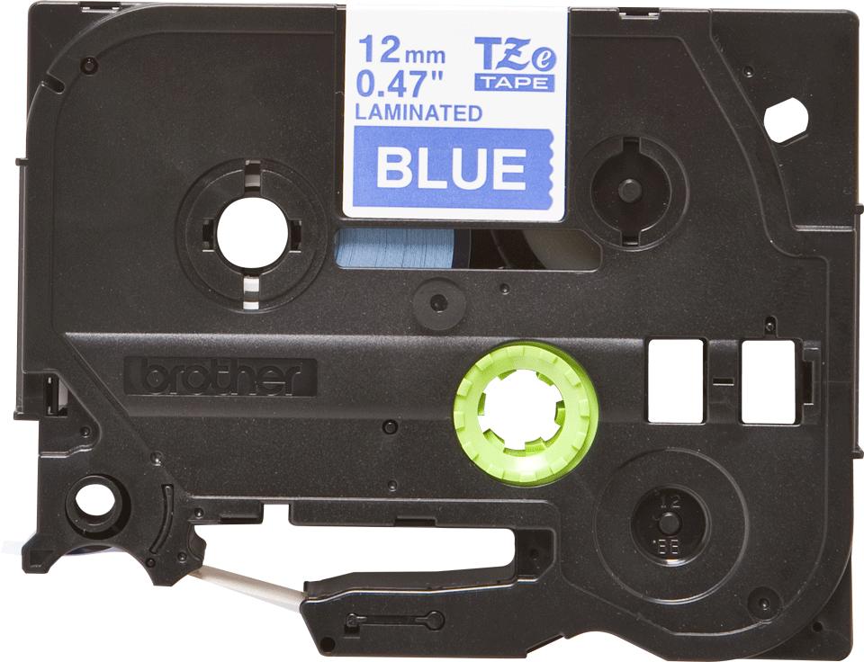 Casetă cu bandă de etichete originală Brother TZe-535 – alb pe albastru, lățime de 12mm