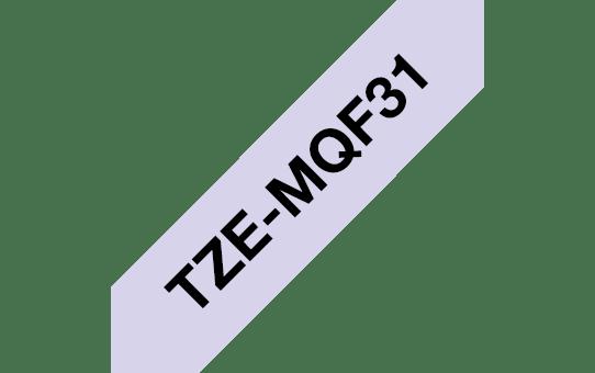 Casetă cu bandă de etichete originală Brother TZe-MQF31 – negru pe purpuriu pastelate, 12mm lățime 3